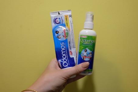 Mueckenspray wirst du auf jedenfall brauchen. Das Beste gibts von Odomos. Zwei verschiedene Arten - gleiche Wirkung. Um die 70 Rs also nicht ganz 1 Euro.